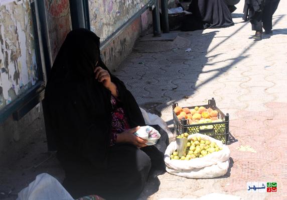 دستفروشی زنان معضل نیست/ زنان در شهر سهامدار هستند/ لزوم رعایت حق ۵۰ درصدی زنان در شهر