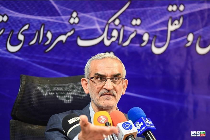 پور سیدآقایی: حال حمل و نقل عمومی تهران خوب است/ معابر ترافیکی جایگزین محدوده های ترافیکی می شود!