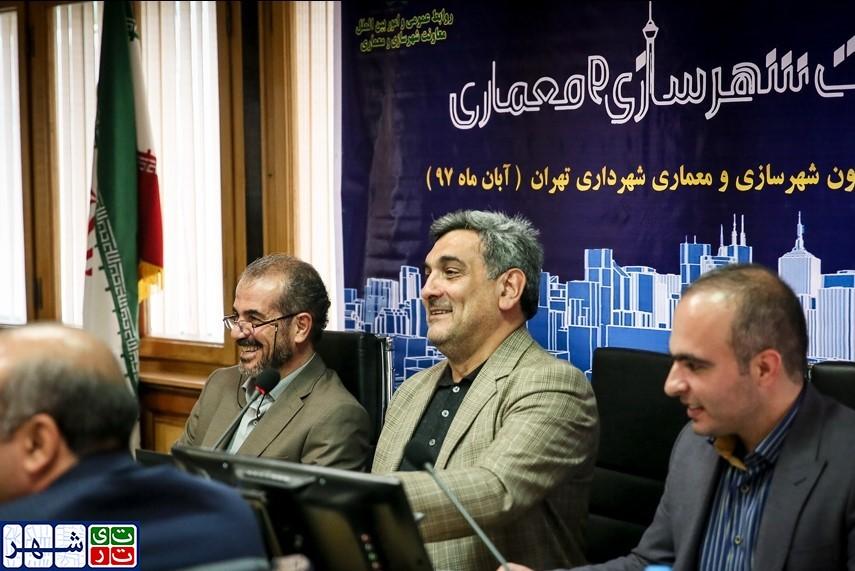 بازگشت هولوگرام به سیستم درآمد پایدار شهرداری تهران/ حناچی: برای حذف هولوگرام 5 سال زمان لازم است!
